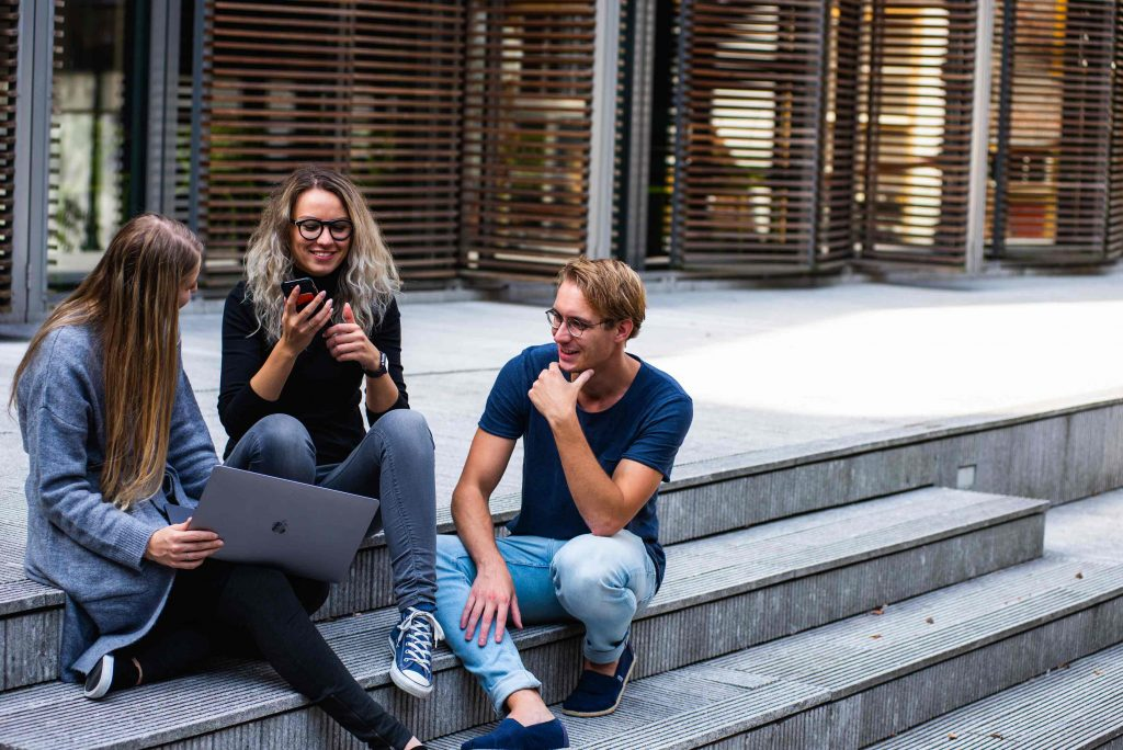 How to reduce the hurdles for international students on their way to Germany – a policy paper by Fintiba together with Stifterverband
